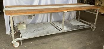 Arbeitstisch mit Laufband